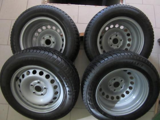original VW platišča z zimskimi gumami
