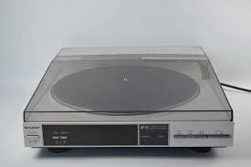 Stereo gramofon LINEAR TRACING STEREO TURNTABLE=GRAMOFON SHARP Model RP111H(S) only.